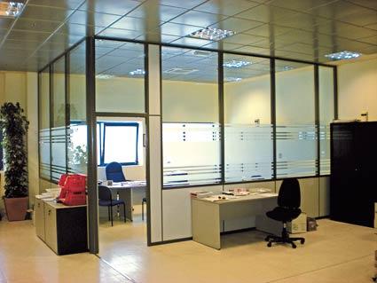 Mamparas de oficina en zaragoza industrias arnedo for Oficinas cai en zaragoza