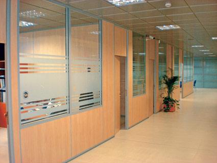 Mamparas de oficina en zaragoza industrias arnedo for Oficina de extranjeria zaragoza
